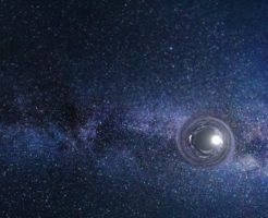 ブラックホールが横切る宇宙